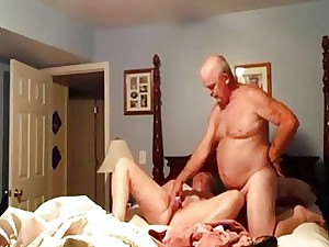 Unexperienced wifey object fucked to a dildo