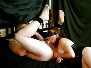 Unostentatious henchman gets a blowjob by means of someone's skin anal prostate kneading