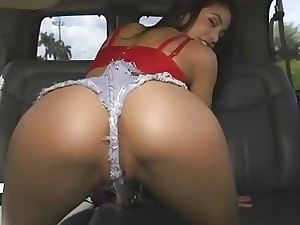 Unexperienced raven haired Veronica Rodriguez