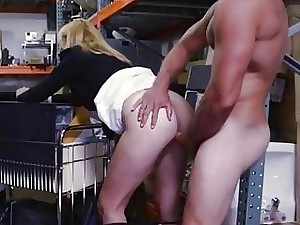 Impassioned milf having carnal knowledge connected with pawnkeeper